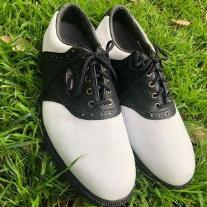 Men's golf shoes by Footjoy. The #1 pro shoes.